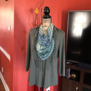 🔥🔥ONE WORLD ❣️🍂Green blouse with scarf 🧣💋❣️